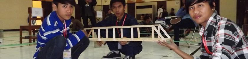 Mahasiswa-Baru-ITN-Malang-Ciptakan-Jembatan-Perisai-2015