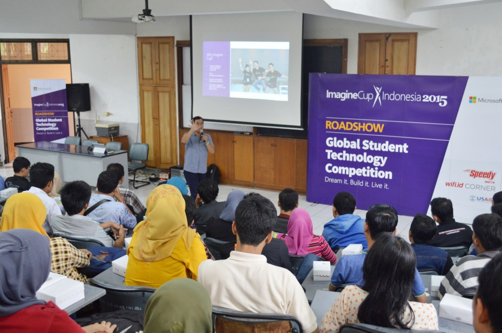 seminar-imagine-cup-2015-di-kampus-2-itn-malang