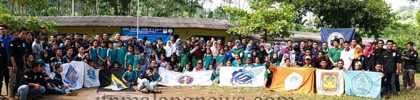 Sembilan Delegasi Mahasiswa Teknik Sipil ITN Malang Bantu Perbaiki Gedung Sekolah