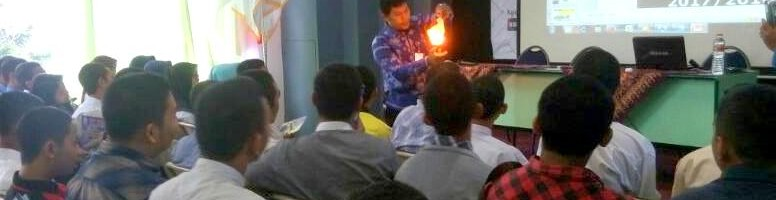 Trik Sulap LPMB ITN Malang Tarik Simpati Siswa SMK
