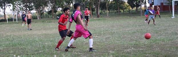 Mahasiswa Rantau, Nikmati Liburan Sembari Futsal Di Kampus II