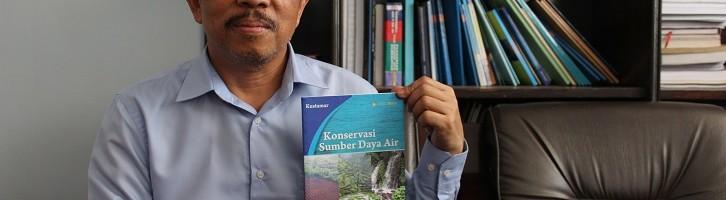 Wakil Rektor I ITN Malang Terbitkan Buku Ketiga