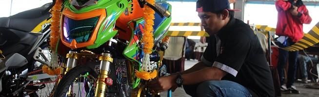 Lomba Modififikasi Motor Delapan Kelas Warnai Temu Akrab Teknik Mesin ITN Malang