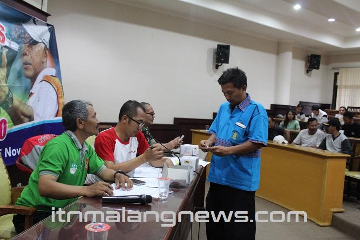 Panitia Jamin Keamanan Kompetisi Rektor Cup ITN Malang