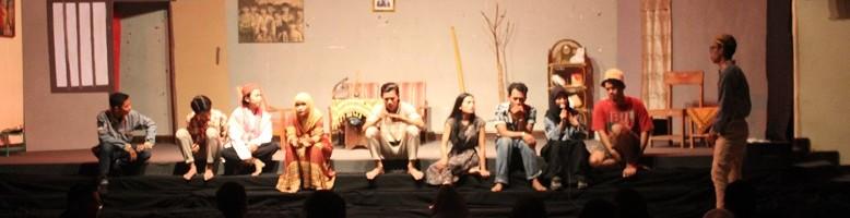 Teater-Sanggar-Blitz-ITN-Malang-Pentaskan-Sayang-Ada-Orang-Lain