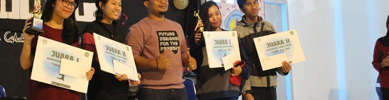 Musik-Akrab-PWK-ITN-Malang-Berikan-Hadiah-Juara-Lomba