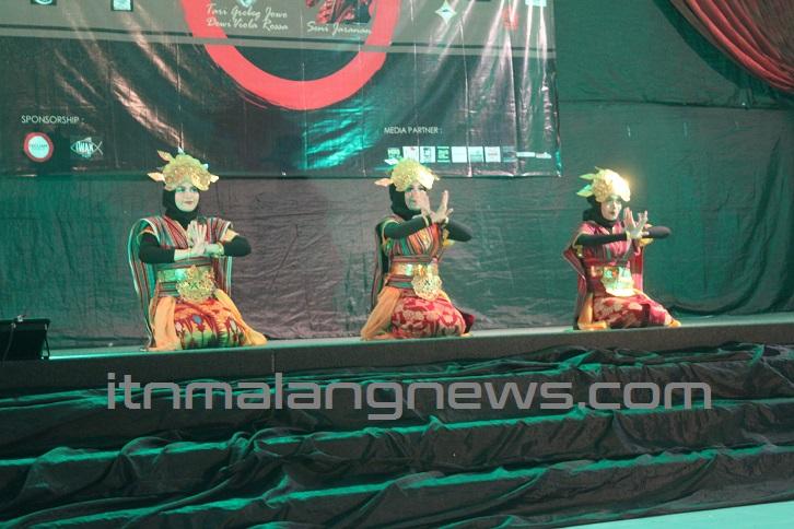 Parade-Tari-Tradisional-Nandur-Pari-Digelar-Di-ITN-Malang