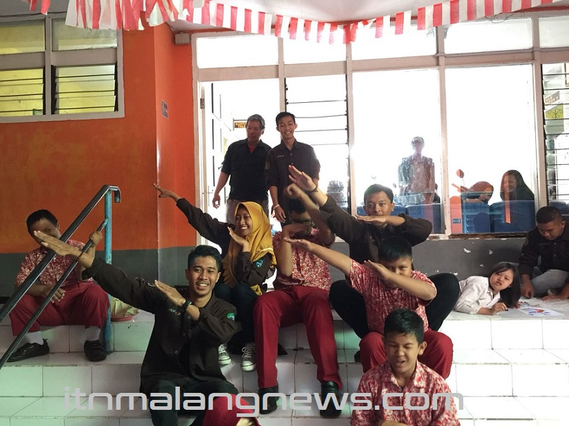 Setelah-Berbagi-PWK-ITN-Malang-Main-Bareng-Dengan-Anak-Anak-SLB-Putra-Jaya