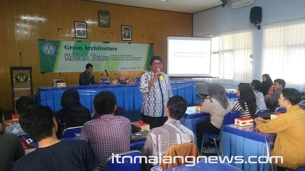 Kuliah-Tamu-Green-Architecure-ITN-Malang-Datangkan-Narasumber-dari-UTM (1)
