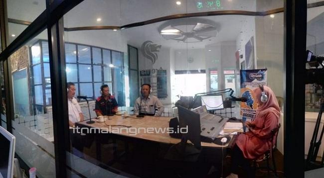 Talkshow Idjen Talk 91.1 FM Rektor ITN Malang Bahas Penting Air Sebagai Sumber Kehidupan