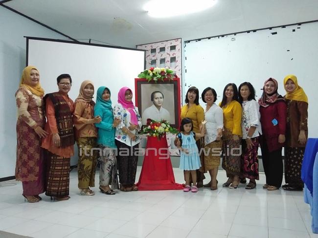 Peringatan Hari Kartini, Rukun Ibu ITN Malang Gelar Lomba Fashion Show dan Baca Puisi
