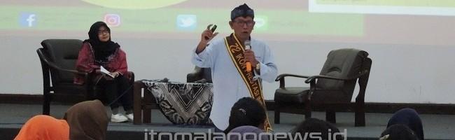 Ir. Bambang Irianto, Penggagas Kampung 3G menceritakan perjuangan Glintung pada peserta kuliah tamu
