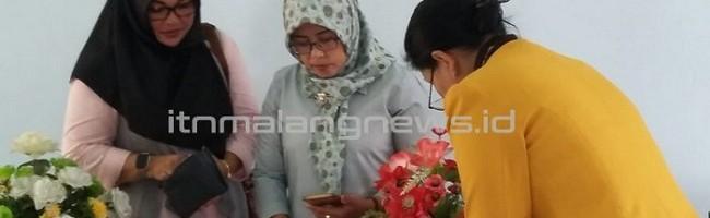 Rukun Ibu ITN Malang Open Tender Stand Makanan dan Minuman