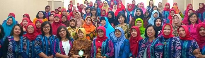 Ibu-ibu Dharma Wanita LLDIKTI Jawa Timur Kunjungi Rukun Ibu ITN Malang