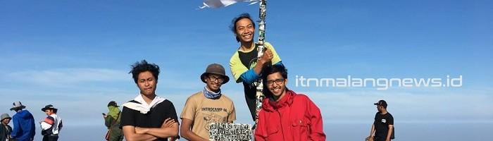 Himakpa dan Kresma Malaysia Daki Lima Gunung