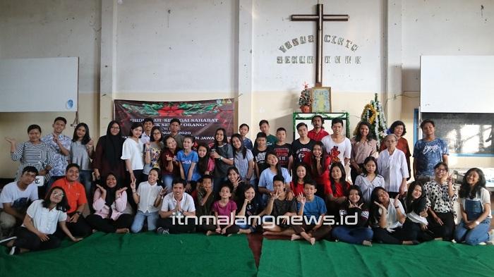 Mahasiswa Teknik Kimia Berbagi Suka Cita Natal di Yayasan Panti Asuhan Kristen Malang