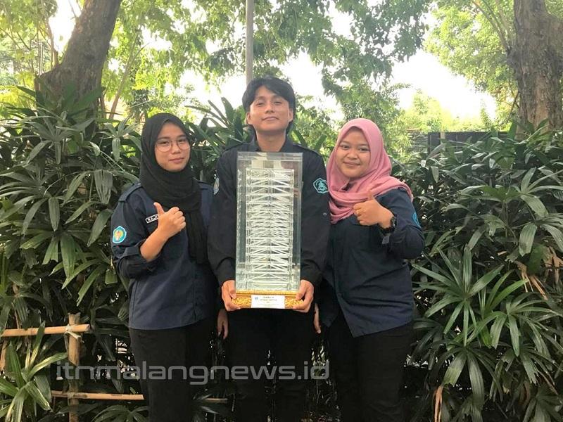 Tim Exo Teknik Sipil S-1 ITN Malang juara 3 Earthquake Resistant Design Competition (ERDC) 2021 UK Petra