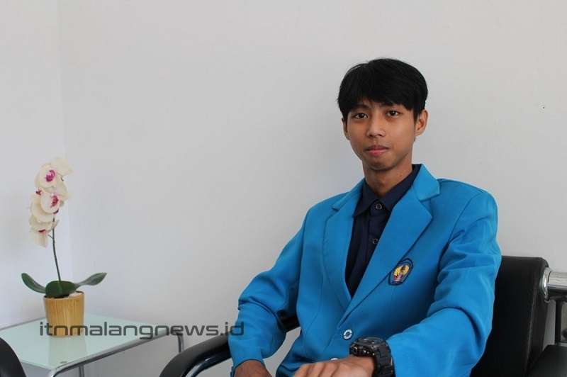 Wahyu Arif Setiawan lulusan terbaik Teknik Listrik D-3 ITN Malang pada wisuda ke 64-65 ITN Malang Tahun 2021