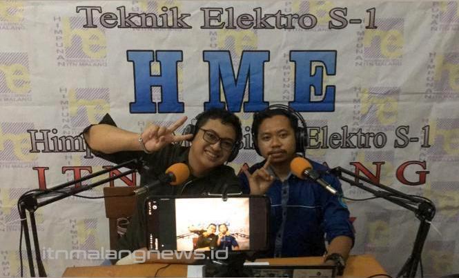 Caster eSports (komentator) Kolaborasi Muhammad Albi, Elite FM Radio ITN Malang (kiri), dan Anom Bayu Nugroho, HME S-1 ITN Malang