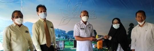 Kegiatan Kedaireka ITN Malang di Desa Sumberejo Batu dibuka dengan pemotongan tumpeng