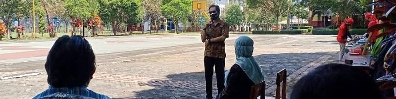 Rektor ITN Malang, Prof Dr Eng Ir Abraham Lomi MSEE pada kegiatan koordinasi Fakultas Teknologi Industri (FTI), di Kampus 2 ITN Malang